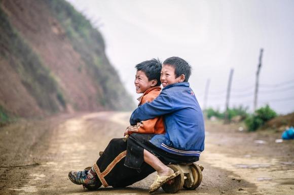 children-moc-chau-2099536_1920